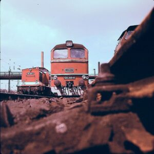 Taigatrommel locomotive with Class 110 in background